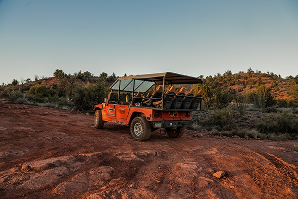 Cliff Hanger Hummer Tour in Sedona, Arizona