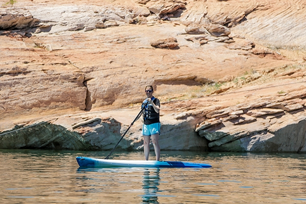 SUP at Lake Powell in Arizona
