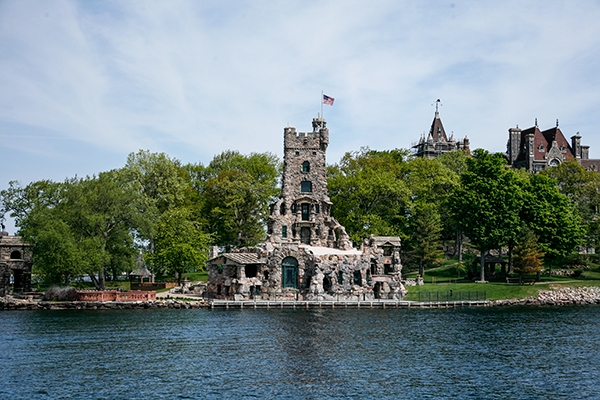 Adventure in the 1000 Islands, New York, USA and Ontario, Canada
