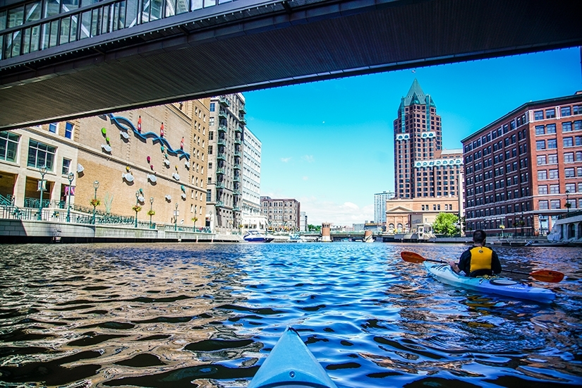 Kayaking Milwaukee River, Milwaukee Kayak Company, WIsconsin