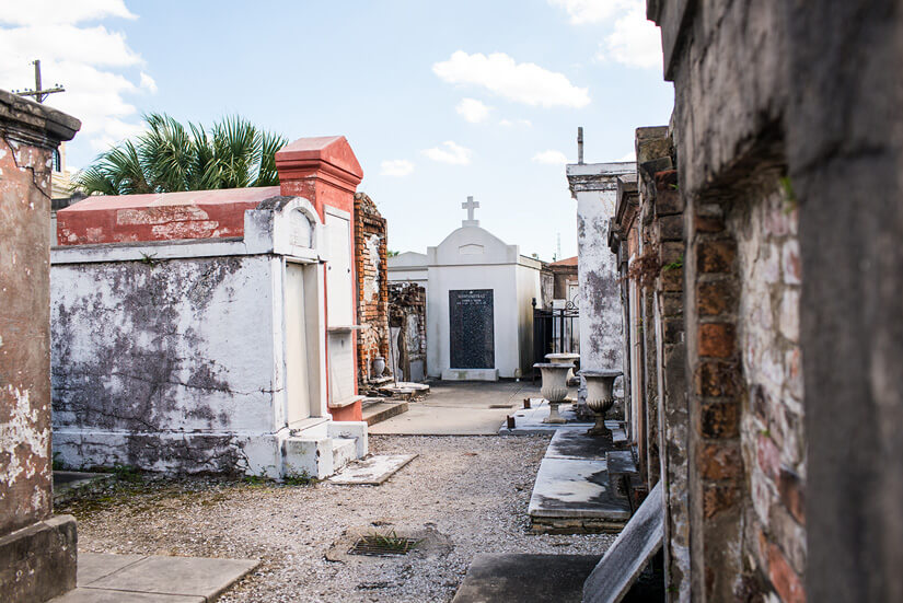 Halloween in New Orleans, Louisiana, St. Louis Cemetery No 1 Tour